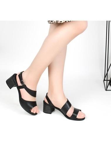 Pandora Ka648 5 Cm Topuklu Günlük Sandalet Siyah
